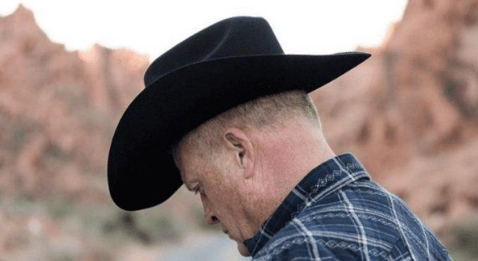 How to Stretch a Cowboy Hat