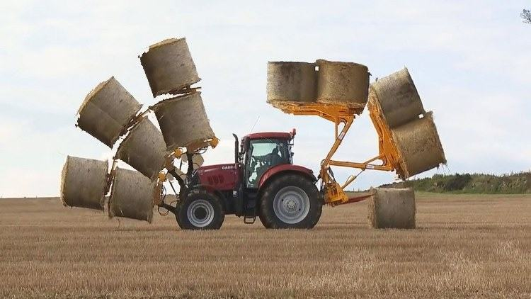 Tractor loader bale spear