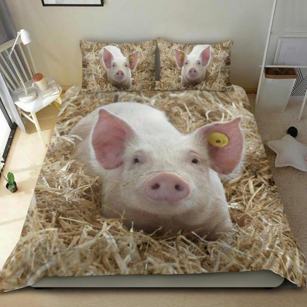Cute Baby Pig in Grass Bedding Set