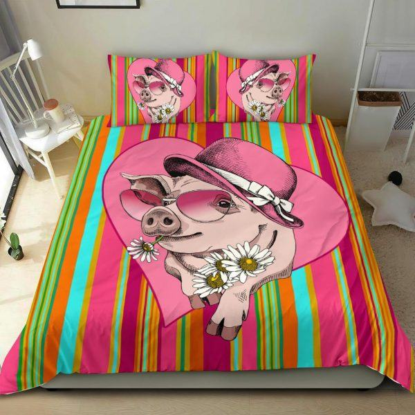 Very Cute Cartoon Pig Lady Wear Hat and Sunflower Bedding Set