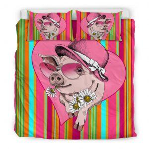 Very Cute Cartoon Pig Lady Wear Hat and Sunflower Bedding Set King