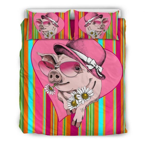 Very Cute Cartoon Pig Lady Wear Hat and Sunflower Bedding Set Queen