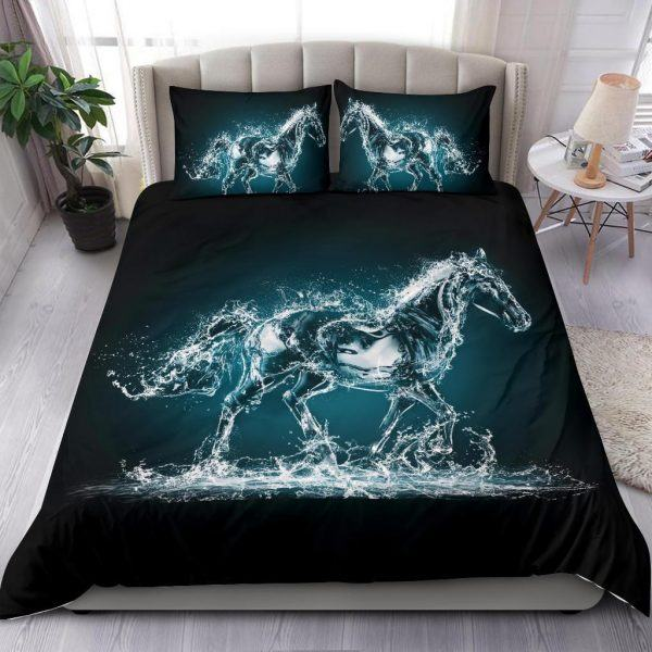 Water and Horse Shape Bedding Set