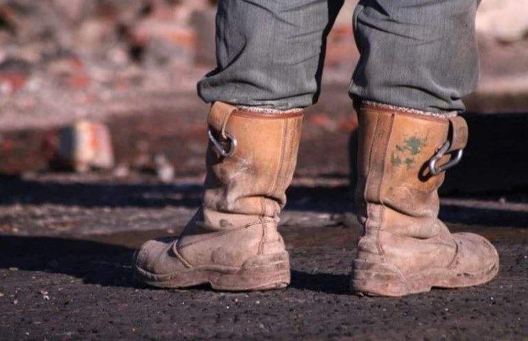 best pull on work boots reviews