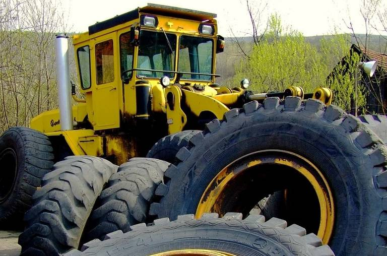how much do tractor tires weigh